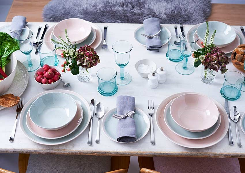 Pink and lilac tableware