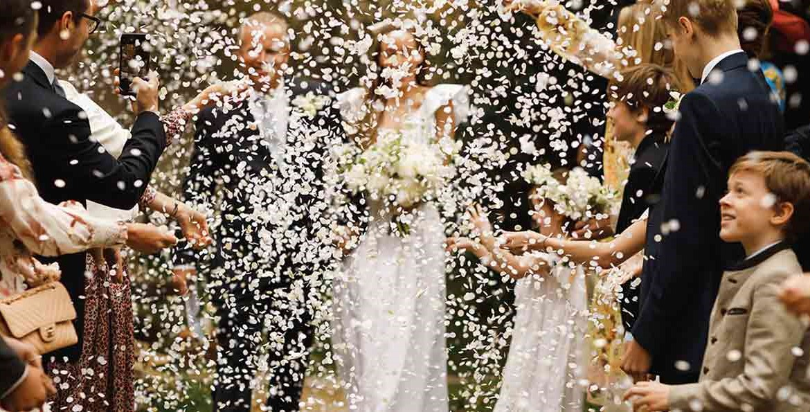 confetti showered couple 2020 wedding