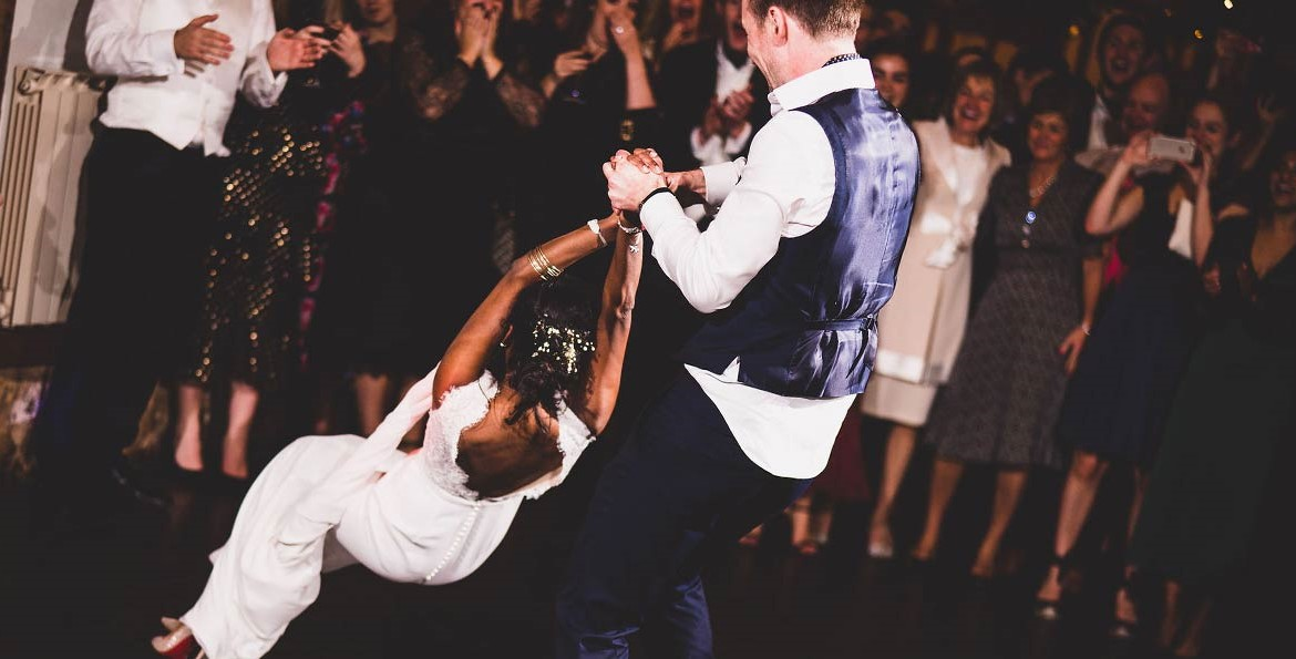 wedding list inspiration - trends and tips. Couple dancing on wedding day