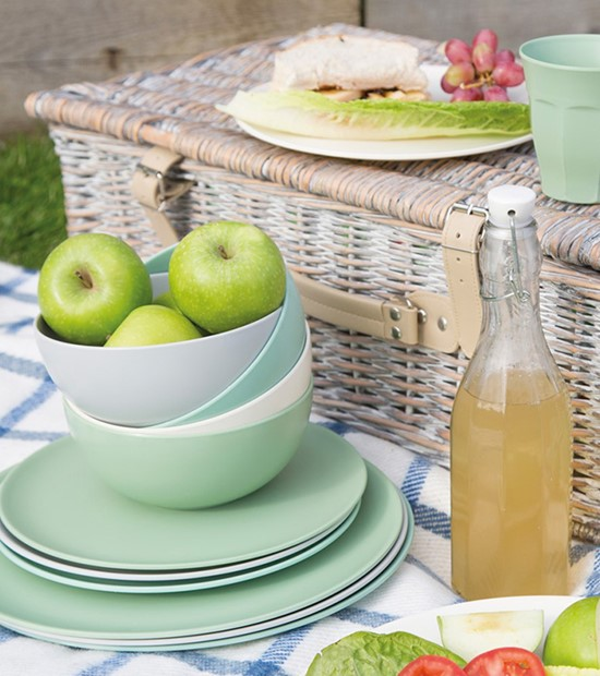 picnicware at the wedding shop - gift guide