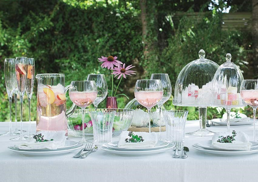 Alfresco drinks with pink gin